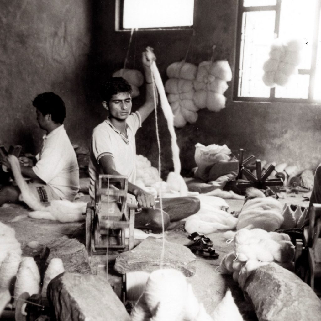 spinning wool for rugs