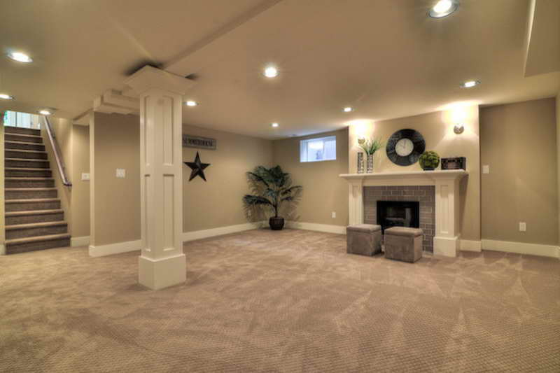 Traditional-Basement-Decorating-Ideas-around-a-Pole