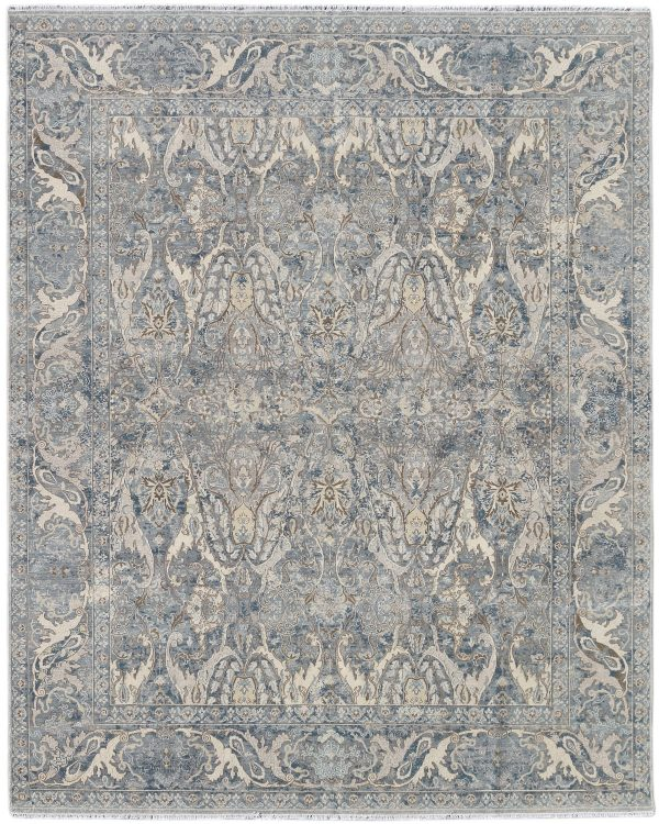 luxury wool rug with transitional design