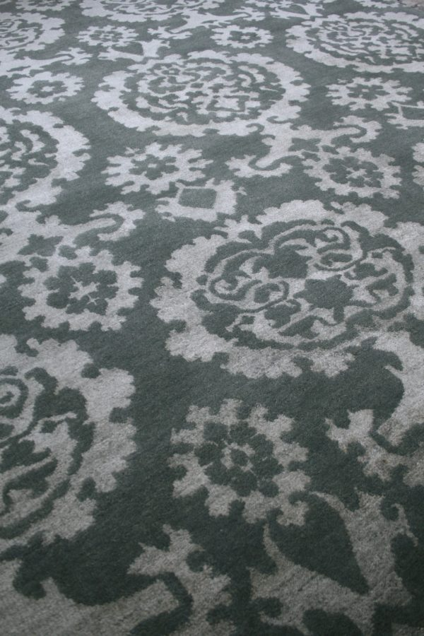 traditional style rug