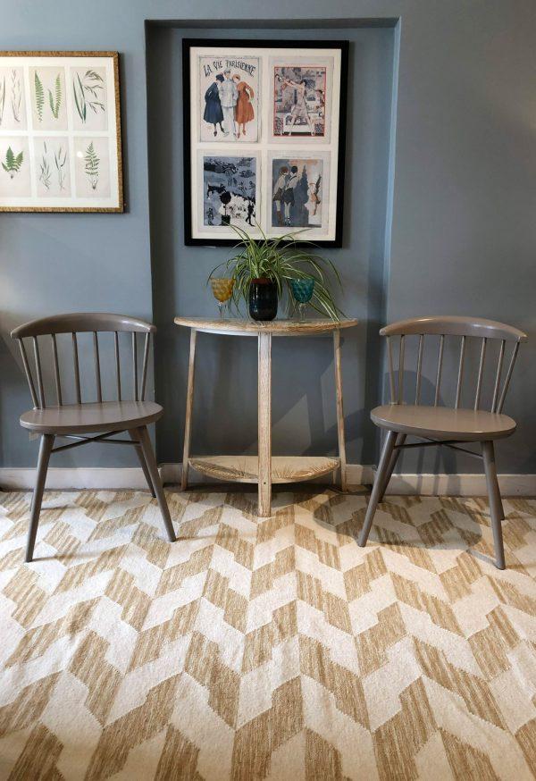 yellow geometic kelim with chairs