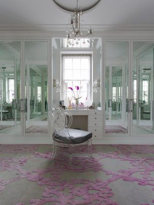 pink contemporary rug in dressing room