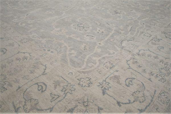 classic rug neutral